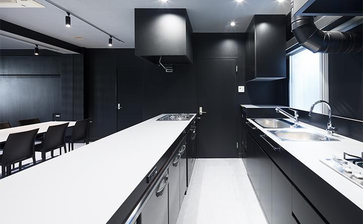 設備・備品が充実した、使いやすいアイランドキッチン
